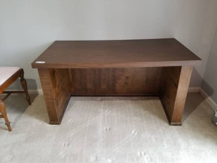 Desk Simple  No Drawers