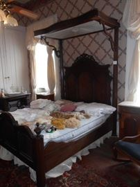Mitchell & Rammelsberg Half Tester Bed
