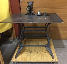 Welding table w/vise