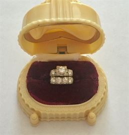 Bridal set in celluloid box