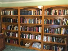 Over 600 books; many Churches of Christ/religion and related. Some specially priced. Hardbacks $3; paperbacks $1.