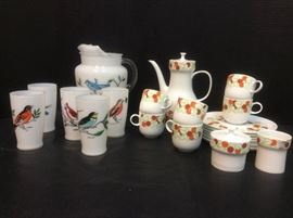 EB904G Vintage Pitcher and Glasses with Birds  Melitta Service
