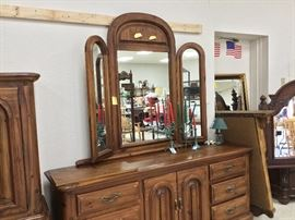 Mirror portion of dresser