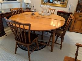 $200 Maple dining room set with chairs and extra leaf