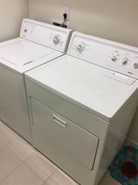 Kenmore Washer Dryer combo set Elect
