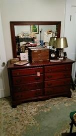 8 drawer Hungerford dresser with mirror