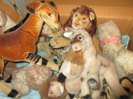 LOTS of Steiff (more pics below) Very serious collectors!