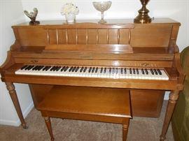 Baldwin piano in good condition