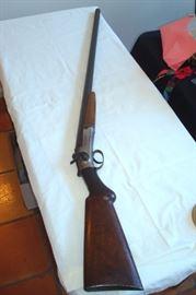 Other side antique Forhand & Wadsworth shotgun.