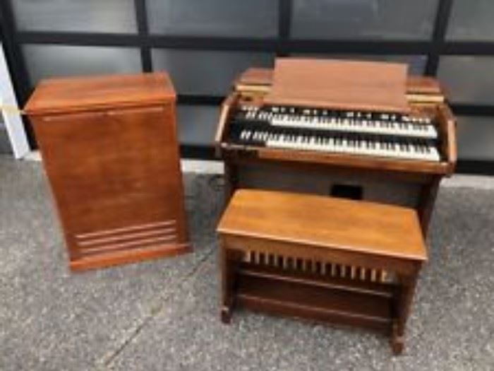 Hammond B3 Organ with Leslie Speaker-stock photo