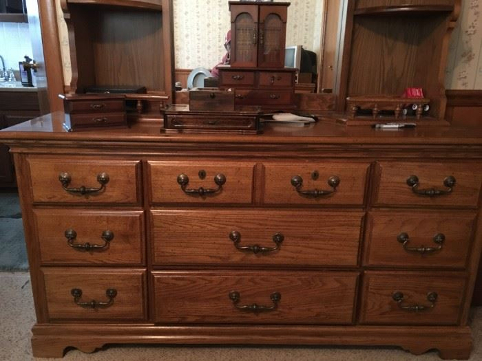 Queen bedroom set - with matching dresser with mirror and small chest