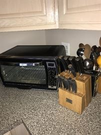 COUNTERTOP CONVECTION OVEN AND KNIVES