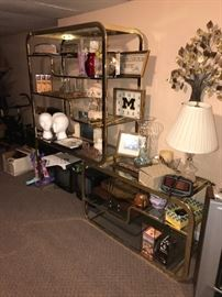 HOME DECORATIONS AND COLLECTIBLES