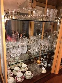 TEACUPS / CRYSTAL STEMWARE AND GLASSWARE
