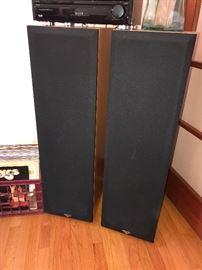 Pair of Klipsch Floor Speakers - Excellent condition