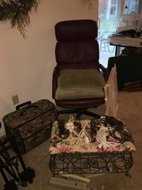 Desk Chair, Foot Stool, Extension Cords