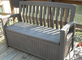 like new outdoor storage bench