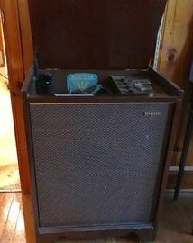 Magnavox mid-century phonograph