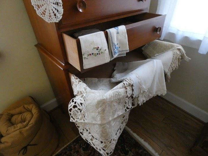 Vintage Doilies, Dresser Scarves, Linen