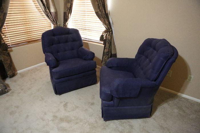 ▪La-Z-Boy Plush Swivel Arm Chair #140x30x34inHxWxD ▪La-Z-Boy Plush Swivel Arm Chair #240x30x34inHxWxD