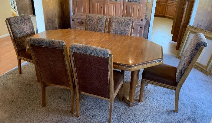 Oak Dining Room Table w/ 6 Chairs	30x44x79in (or 61in or 43in)	HxWxD
