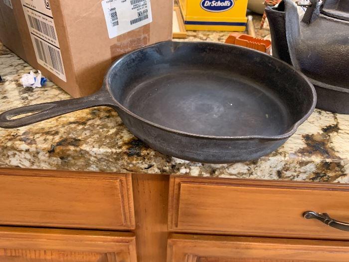 Cast Iron 8 Skillet Pan
