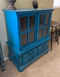 Blue Shabby Chic Cabinet	46x37x19in	HxWxD