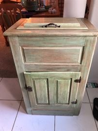 Vintage Icebox
