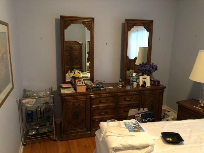 bedroom set bed dresser