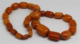 JEWELRY Graduated Amber Beaded Necklace