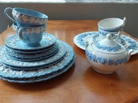 CBR09 Wedgwood Dishes in White and Blue