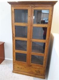 CLR13 Solid Wood China Cabinet