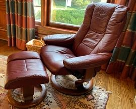 """41. Contemporary Styled Leather Chair (33"""" x 29"""" x 39"""") and Ottoman (20"""" x 15"""" x 17"""")"""
