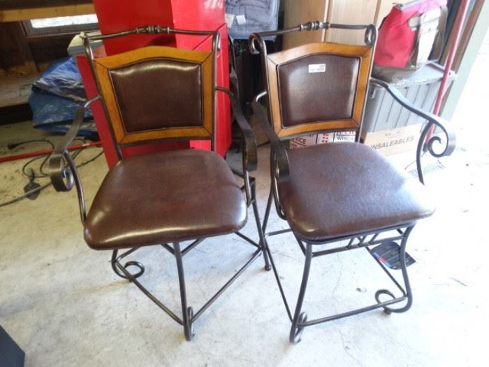 2 matching bar stools
