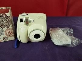 FujiFilm Instant Camera White