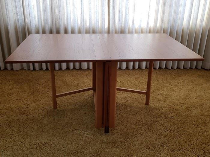 Mathsson table