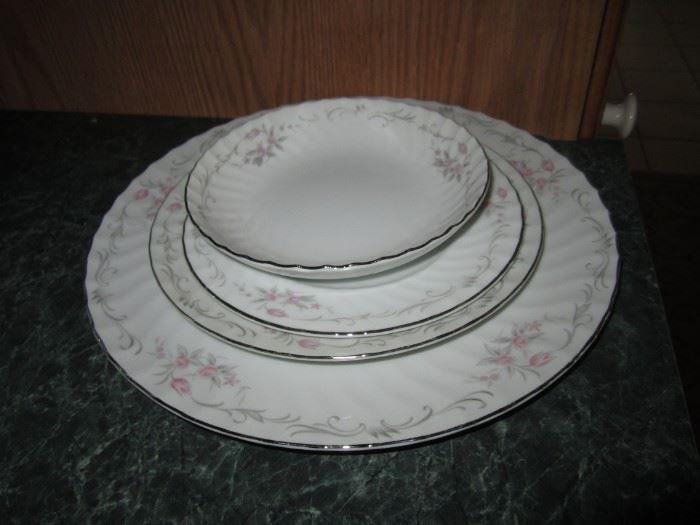Gold Standard dish set