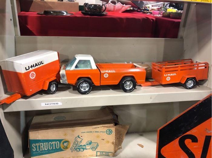 Uhaul die cast model trucks