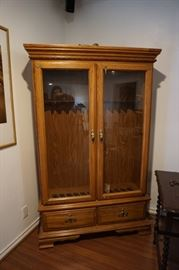 Oak Gun Cabinet / Display