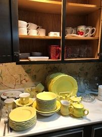 Yellow Buttercup Federalist Dinnerware