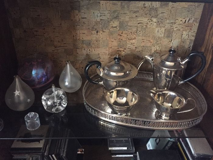 Tea/coffee service, oil lamps