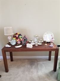 Beautiful console table mid century modern style dated the year 2000