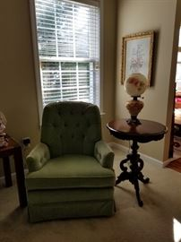 beautiful upholstered bedroom chair in great condition