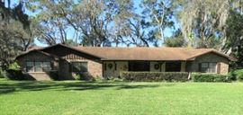 Single family 2,958 sq. ft. home built in 1975, sits on a 0.58 acre lot and features 4 bedrooms and 4.5 bathrooms.