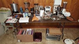 Lots of vintage small appliances