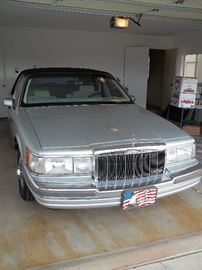 1990 Lincoln Town car 96000 miles tires like new. Body is great no dings, dents. $5000.00 or best offer.