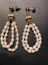 14K and Pearl earrings