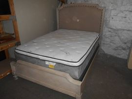 Bed with Queen Size Pillowtop Mattress