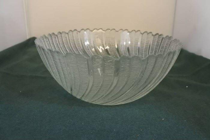 Swiveled Serving Bowl