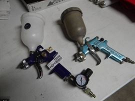 2 Spray guns.